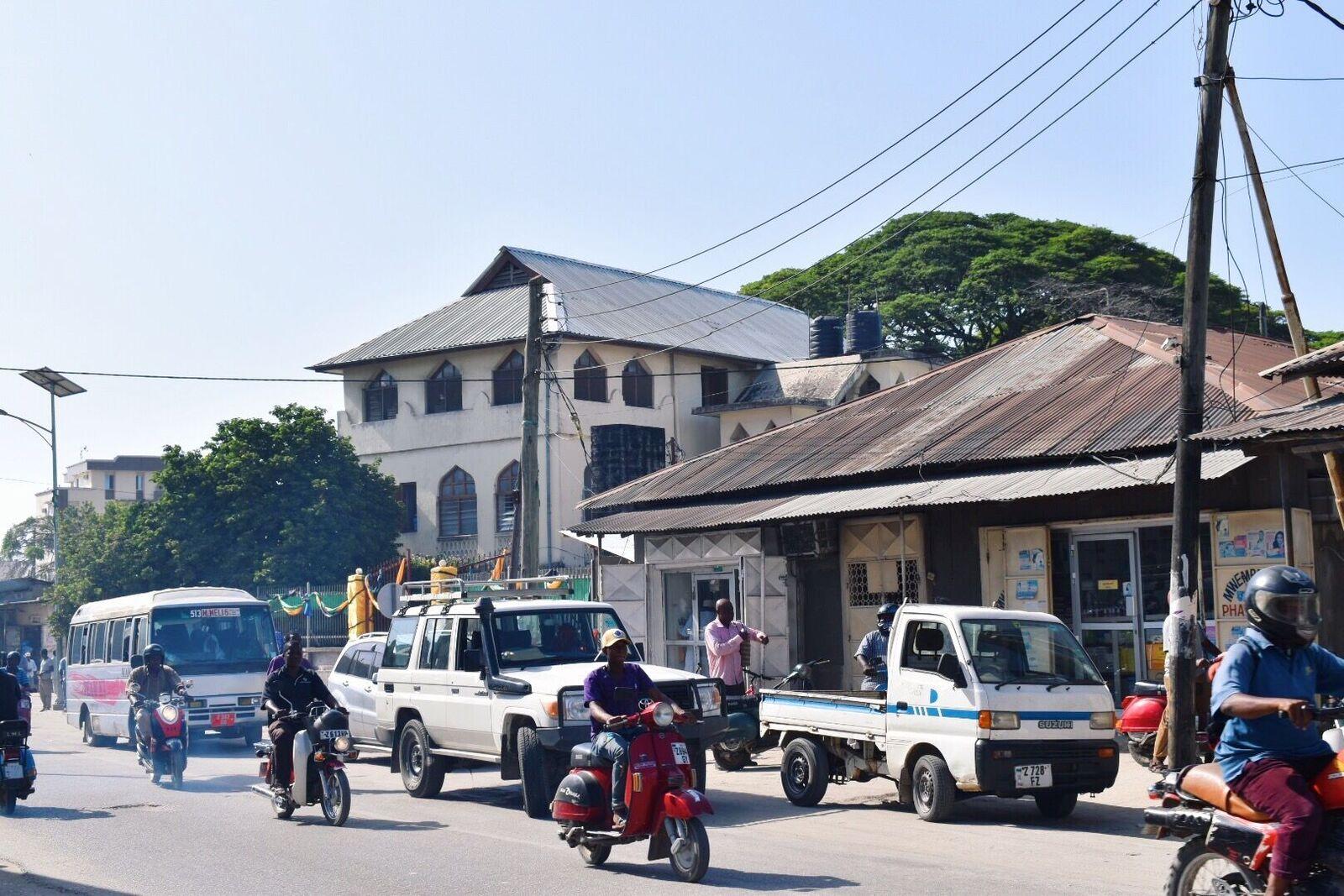 Normaler Arbeitsverkehr in Sansibar-Stadt
